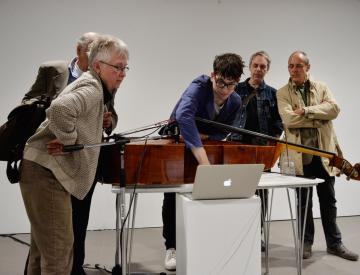 12 Diskussion zwischen Solist, Komponist und Publikum