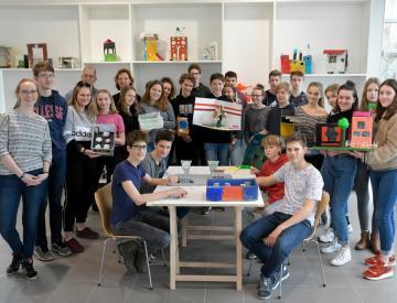 6 Gruppenbild - Das Hannah-Arendt-Gymnasiums zu Gast auf der Freundschaftsinsel