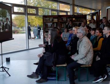 3 Bei der Eröffnung der Potsdamer Ausstellung