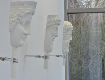 """1 Michael Müller: """"Vor und hinter dem Glas"""" (Installationsansicht)"""
