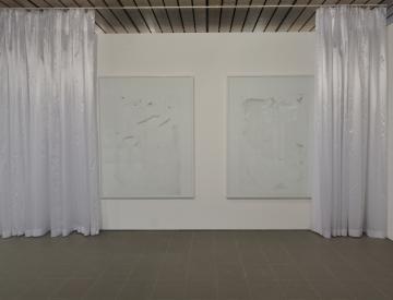 """5 Michael Müller: """"Vor und hinter dem Glas"""" (Installationsansicht)"""