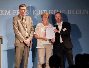 6 Dr. Günter Winands, Marion Talkowski und Gerrit Gohlke beim BKM-Preis Kulturelle Bildung 2017